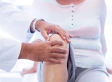 膝の裏側?中?に違和感や痛みがある方の治療。
