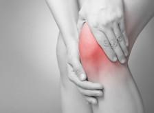 膝のレントゲン写真。異常がないのに痛いのはなぜ?