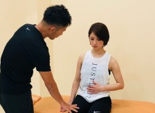 15年前に変形性膝関節症と診断された患者様の治療。