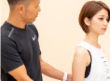 膝の痛みは働いていない筋肉がある為に起きる結果です。